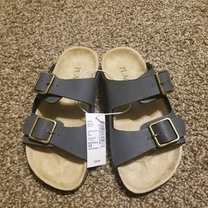 The Childrens Place Boys Sandals sz 13 NWT